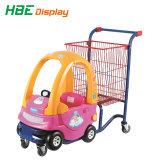 赤ん坊のシートが付いているスーパーマーケットの子供の買物車