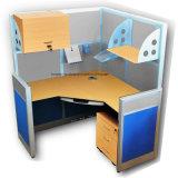 Индивидуальная рабочая станция офиса с столом компьютера офиса ящиков архива