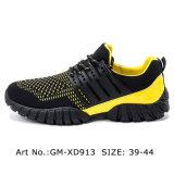 Maille bon marché de chaussures de course d'hommes et chaussures en cuir
