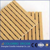 De houten Comités van de Muur van de Akoestiek van het Hout