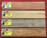 フォーシャンの熱い建築材料の床タイルの木のタイル
