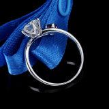 1 monili argenteo dell'anello del diamante rotondo di Moissanite di carati e della regolazione vermiglia sintetica