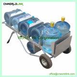 Carrito de la mano una botella de agua de acero de cubo de agua carrito