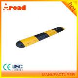 500*350*50mmの黒く黄色い道ゴム製車の傾斜路の減速バンプ