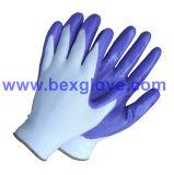 Нитриловые перчатки в саду