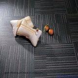 Carrelage de sol en vinyle autoadhésif prix d'usine Plank
