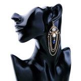 普及した方法レトロのダイヤモンドによって散りばめられる長い多層合金の女性のイヤリング