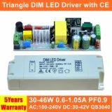 30-46W ninguna fuente de alimentación de Dimmable LED del triángulo del parpadeo con el Ce QS3040