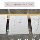 Matt beendete Marmorblick-Porzellan-Bodenbelag-Fliesen für Badezimmer-Entwurf