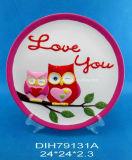 Il piatto di ceramica decorativo di giorno del biglietto di S. Valentino