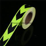 결정 격자를 가진 까만과 녹색 화살 PVC 사려깊은 테이프