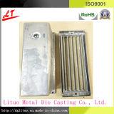 Befestigungsteil-Aluminiumlegierung Druckguss-Ziegelstein Fragement mit Haube-und Luftschlitz-Unterseite