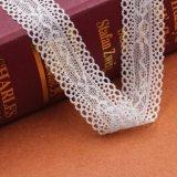 メッシュ生地の綿かポリエステルファブリック綿の刺繍のレースファブリック