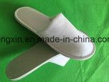 Preto branco de veludo da alta qualidade que conduz sapatas descartáveis do hotel
