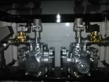 Posto de gasolina dois medidores para dois tipos do petróleo