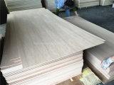 4 ' x8 5mm 고품질 자연적인 베니어 가구 만들기를 위한 크라운에 의하여 잘리는 개가시나무 공상 합판