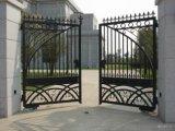 高品質のさびない防腐性の制作された錬鉄のゲート