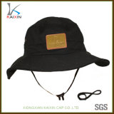 ストリングが付いているカスタム明白な革パッチの綿のバケツの帽子