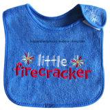Fördernde Baumwollrot-Wort-Stickerei-kundenspezifisches Baby-Abnützung-Baby-Schellfisch-Baby-Schutzblech