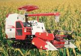 米のコンバインの収穫