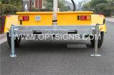 表示トレーラーLED移動式広告トレーラーを広告するこはく色の交通標識