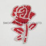 Ferro vermelho do Rhinestone do bordado de Rosa da forma no emblema da flor da correção de programa