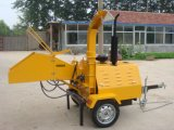 自己力の油圧ディーゼル木製の砕木機
