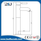 Misturador de lavatório de torneira de dissipador monocasco