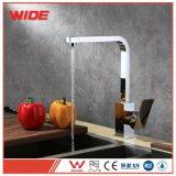 Choisir le robinet de mélangeur de bassin de cuisine de NSF du traitement UPC 61-9
