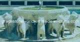 Fontaine en marbre sculpté avec dauphin