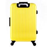 Bagagli di alluminio del coperchio di colore dei bagagli gialli del carrello con l'insieme di alluminio dei bagagli del carrello delle 4 rotelle