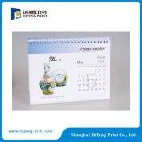 Горячее печатание 2016 календара стола сбывания с подгонянной конструкцией