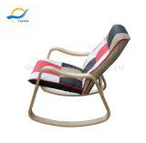 Novo Design relaxante cadeira de balanço de madeira