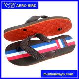 Sandália do verão da forma com a bandeira nacional na cinta