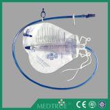 2600ml+500ml大きい二重ハンガーの尿のメートル袋(MT58043504)