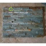 Comitato impilato rustico verde dell'impiallacciatura e di parete della pietra della coltura