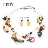 Conjunto de cadena fino de múltiples capas del collar de las mujeres de la resina de piedra natural del shell de Leiiy