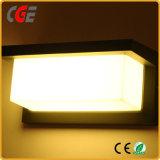 Las lámparas LED LED LED Apliques de pared exterior Pack caliente de la luz de la venta de lámparas de exterior IP66.