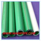 Tubo di plastica del composto PPR dell'acqua di fabbricazione della Cina per acqua calda