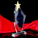 星の水晶トロフィのコップは創造的励ます記念品をカスタマイズする