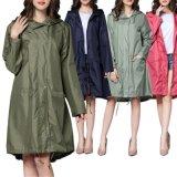 女の子キャンプ旅行6カラーのための防水女性のフード付きのレインコート長い雨摩耗の通気性のレインコートのポンチョの屋外のRainwear