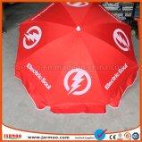La publicité du parapluie de plage bon marché fait sur commande