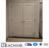 Puerta delantera de la pintura blanca de la puerta de madera del doble dos