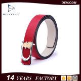 Cinghie di cuoio rosse genuine dell'inarcamento del metallo 3D delle donne di modo all'ingrosso