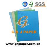 Los documentos en color A4 estándar utilizado en las tarjetas de felicitación