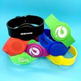 Wristbands clásicos del silicón NFC del centro de aptitud MIFARE 1K RFID