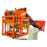 Automatischer konkreter Straßenbetoniermaschine-Höhlung-Block des Vollziegel-Qt4-25, der Maschine herstellt