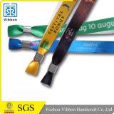 Выполненный на заказ Wristband входа сатинировки логоса текста