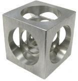 Pieza que muele del CNC del cubo del metal