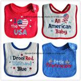 昇進の綿の赤ワード刺繍のカスタム赤ん坊の摩耗の赤ん坊の胸当ての赤ん坊のエプロン